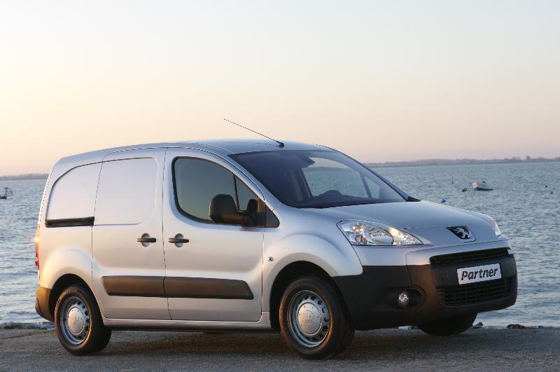 PSA dévoile ses nouveaux Citroën Berlingo et Peugeot Partner