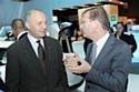 Laurent Fabius, président de la Crea et Patrick Pelata, directeur général délégué aux opérations de Renault