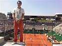 Mahola accueille les visiteurs de Roland-Garros, porte d'Auteuil