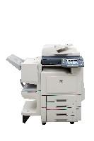 Le nouveau modèle DP-C405 offre une vitesse de 30 ppm en couleur et 40 ppm en noir et blanc.