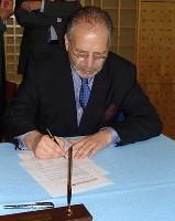 Alain Borowski, président de l'Ugap, signe le Pacte PME