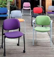 Une nouvelle gamme de sièges pour l'accueil et les salles de réunion chez Majencia