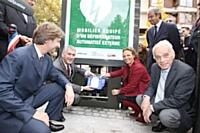 Installation d'un défibrillateur dans du mobilier urbain à Boulogne-Billancourt