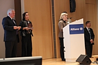 Au pupitre : Laure Rondeau Desroches et Boris Berp, Sustainability & Communication Responsable Grand Comptes d'InterfaceFlor, lauréats pour la catégorie  'réduction de l'empreinte carbone'.