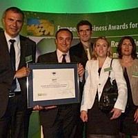 De gauche à droite, Pierre Pelouzet, directeur des achats du groupe SNCF, Olivier Menuet directeur des achats responsables et son équipe.