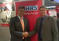 E. Ebray, directeur France HRS (à gauche), avec S. Aubert de Vinci Autoroutes.