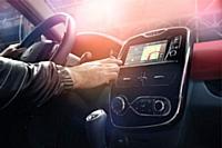 R-Link, la tablette intégrée de Renault, se généralise