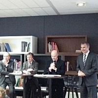 De gauche à droite : Hervé Knecht (AlterEos), Christian Queffelec (Astellia), Pierre Louette (d-g adjoint de France Télécom-Orange) et Pierre Pelouzet (médiateur des relations inter-entreprises).