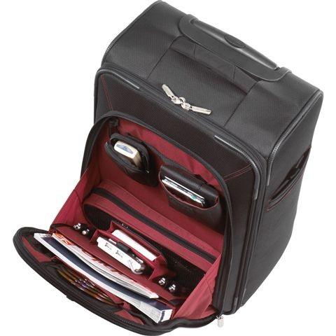 le business laptop roller de targus une valise cabine pour les voyageuses. Black Bedroom Furniture Sets. Home Design Ideas