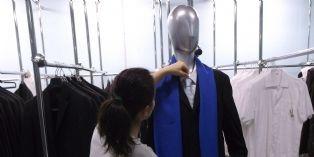 Le musée du Louvre fait le choix des achats durables pour ses vêtements de travail