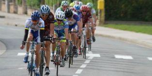Tour de France : remise des trophées par le directeur achats de Skoda