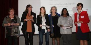 Quelques lauréates des trophées Handiréseau femmes en EA et Dominique du Paty (à droite).