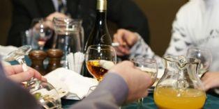 Autoriser (un peu) l'alcool au travail pour favoriser la productivité de son équipe ?