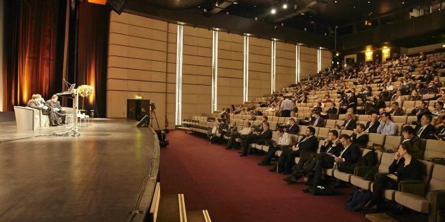 Organiser un événement professionnel grâce au Salon Réunir