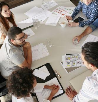 Les salariés perdent 2 jours par an à cause des retards en réunion