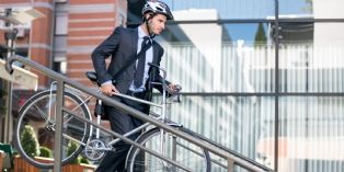 L'indemnité kilométrique vélo pour les salariés qui pédalent entre leur domicile et leur lieu de travail, fixée à 25 cts d'euros par kilomètre