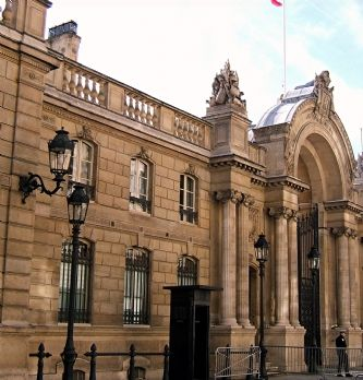 Rapport de la Cour des Comptes : l'Elysée doit renforcer le pilotage de ses achats