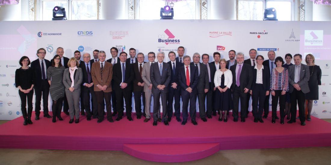 Les maîtres d'ouvrages et les fédérations partenaires de CCI Business Grand Paris réunies autour du président de la CCI Paris Ile-de-France, Didier Kling(au centre), lundi 13 mars 2017, à Paris.