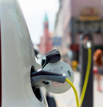 'Quelle place pour la voiture demain dans les entreprises ? Quel potentiel de transition vers des véhicules ou des modes plus propres ?'