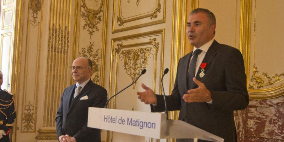 Pierre Pelouzet, fait Chevalier de l'Ordre National de la Légion d'Honneur
