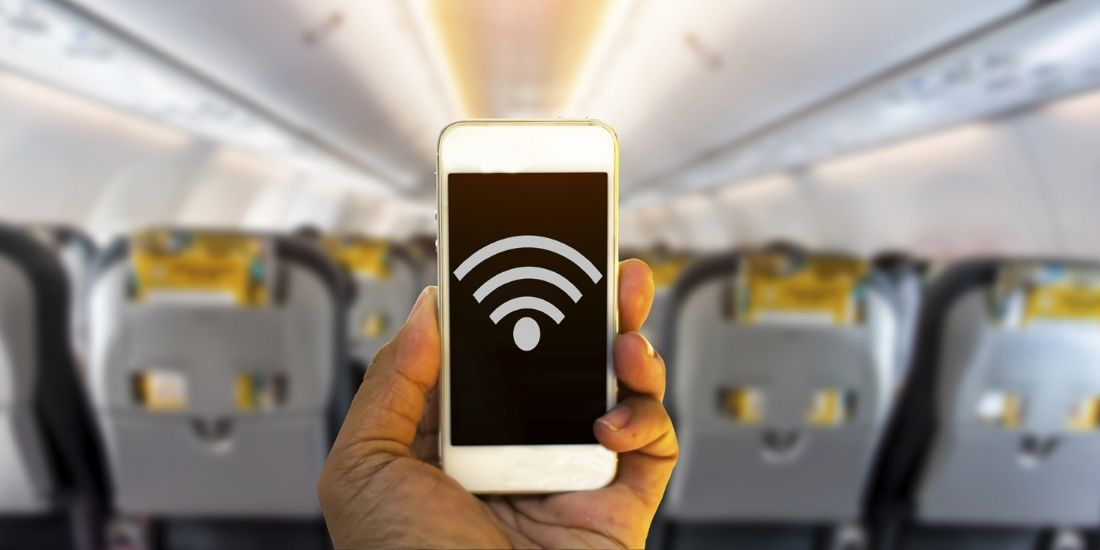 Utilisation du wi-fi en avion: attention aux cyber-risques!