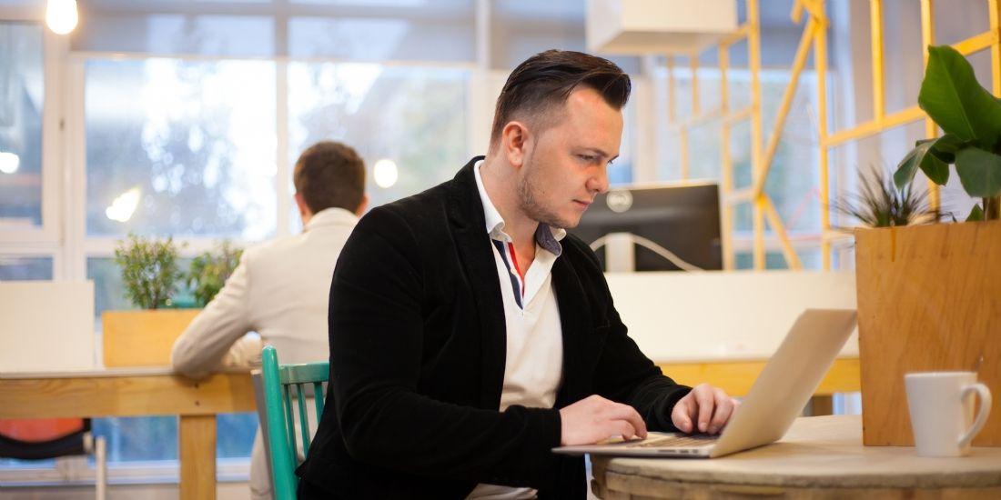 82% des professionnels en France travaillent hors de leur bureau