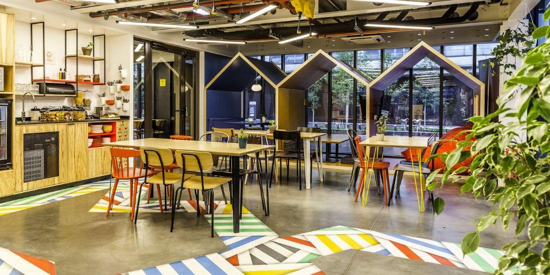 Anticafé, un concept entre bistrot et espace de coworking qui cartonne