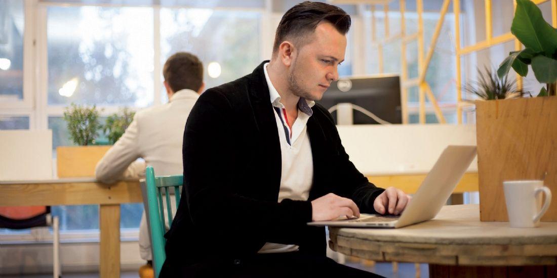 Comment mettre en place le flex office et le télétravail en entreprise ?