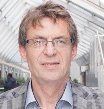 Joël Lisenborg, directeur du MBA spécialisé responsable des achats - RHA à l'ILV
